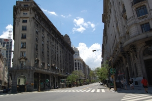 buenos-aires-deserted-streets-of-the-microcenter-2