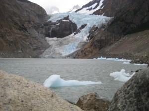 Lago Piedras Blancas (with icebergs)