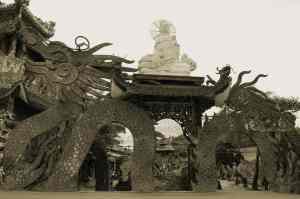 More Linh Phuoc Pagoda